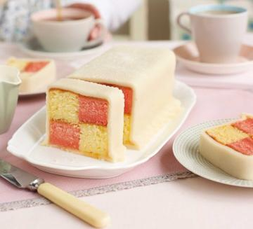 Classic Cakes: Across the World III