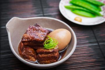 Japanese Braised Pork Belly : Buta Kakuni