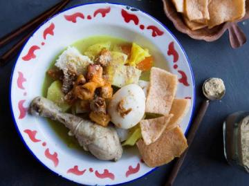 Celebrating Chinese New Year with Indonesian Cuisine: Lontong Chap Goh Mei