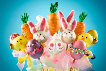 Celebrating Easter With Hot Cross Buns And Cake Pops